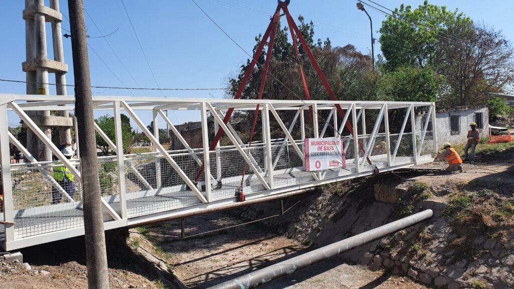 Villa Luján: se realizó el montaje del puente peatonal